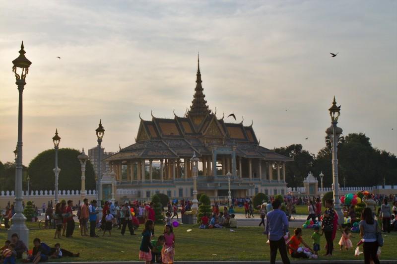Phnom Penh riverside crowds