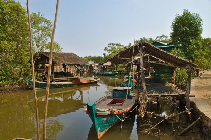 Village by the water near Kampot