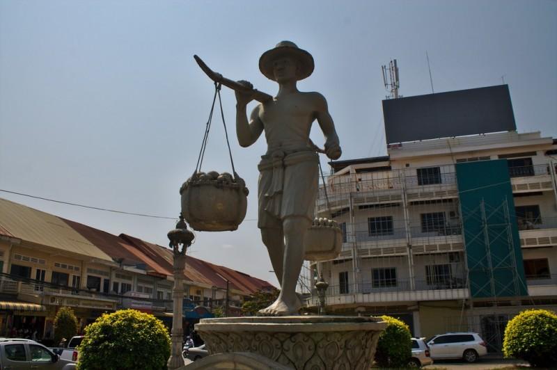 Battambang statue