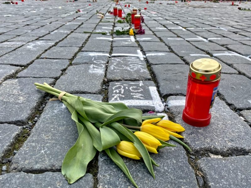 Covid-19 Memorial, flowers, Old town square, Prague