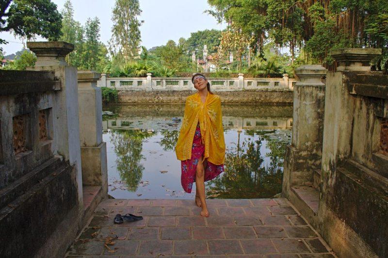 Tina at a Hoa Lư pond