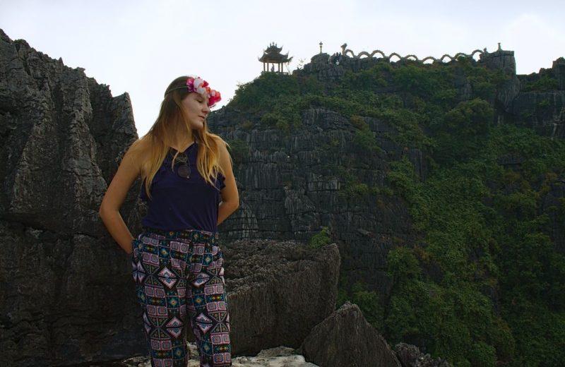Hang Múa view over the mountain top dragon