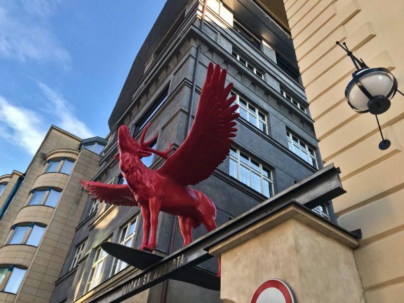 Červený jelen, statue, Prague