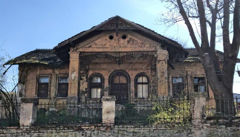 Abanonded house, Hlubočepy, Prague