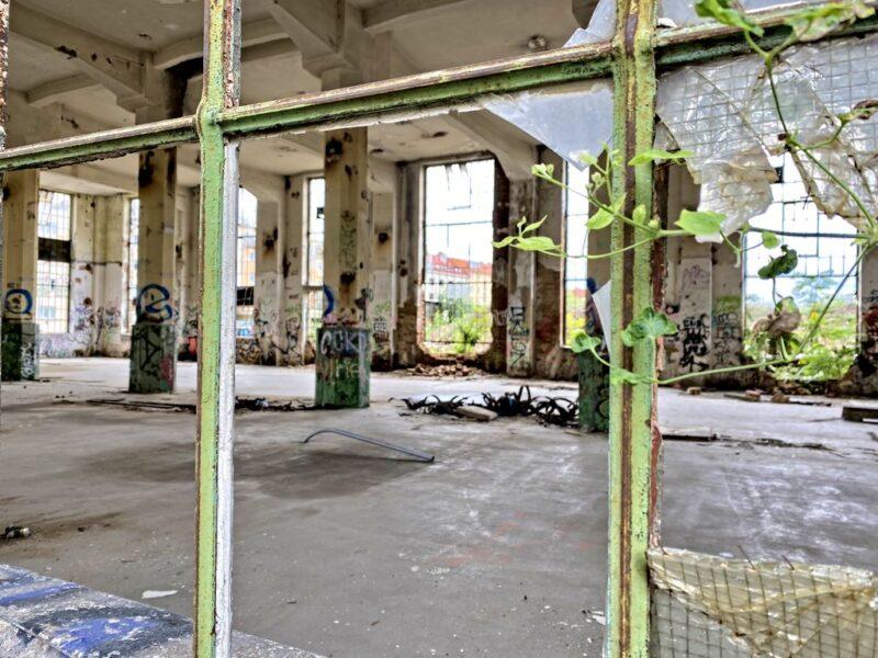 abandoned Kolbenova plant, inside look, Vysočany, Prague