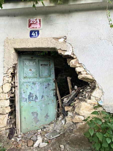 abandoned house, Jinonice, Prague